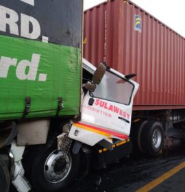 One injured in a truck collision on the N3 near Harrismith