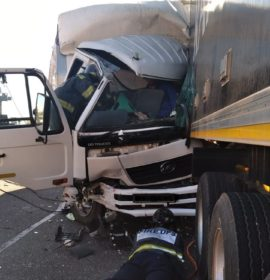 One injured in a serious collision between two trucks on the N1