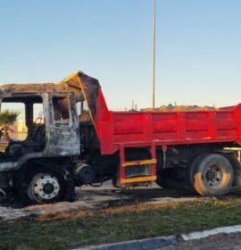 Truck petrol bombed in Philippi