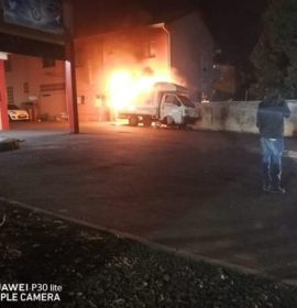 Vehicle fire at a shopping complex in Tongaat