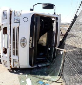 Driver injured in a truck rollover in Midrand