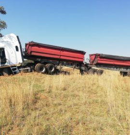 Three injured in a truck collision on the N11